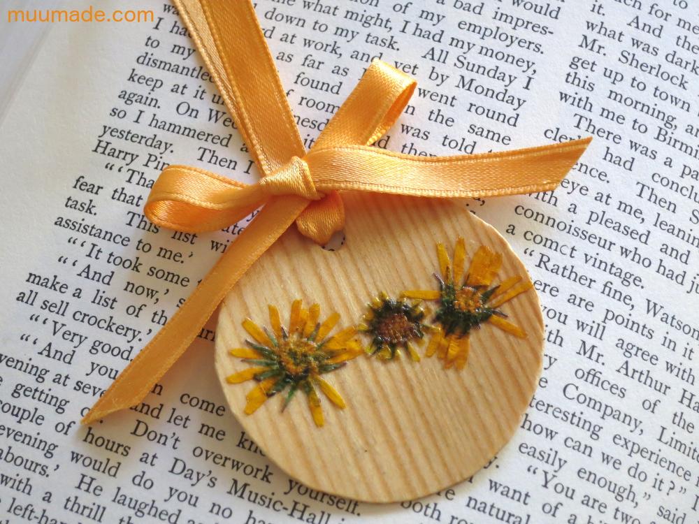 Bookmark-Yellow_2977
