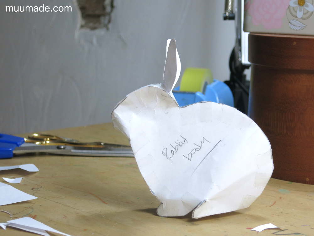 Paper model of a bunny