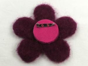 Free Tutorial: Needle Felted Flower Brooch - step 7