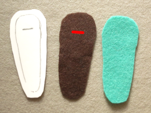 Hair clip cover pattern and two pieces of felt for top and bottom layers