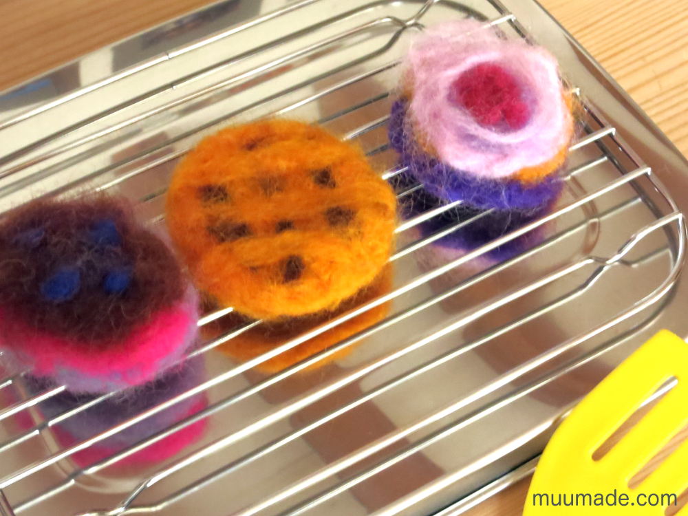 needle felted food - cakes and pies