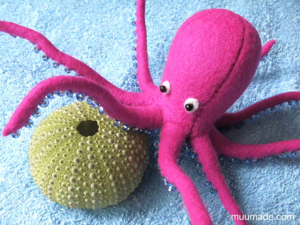 Little Felt Octopus - sewing pattern & tutorial #muumade.com