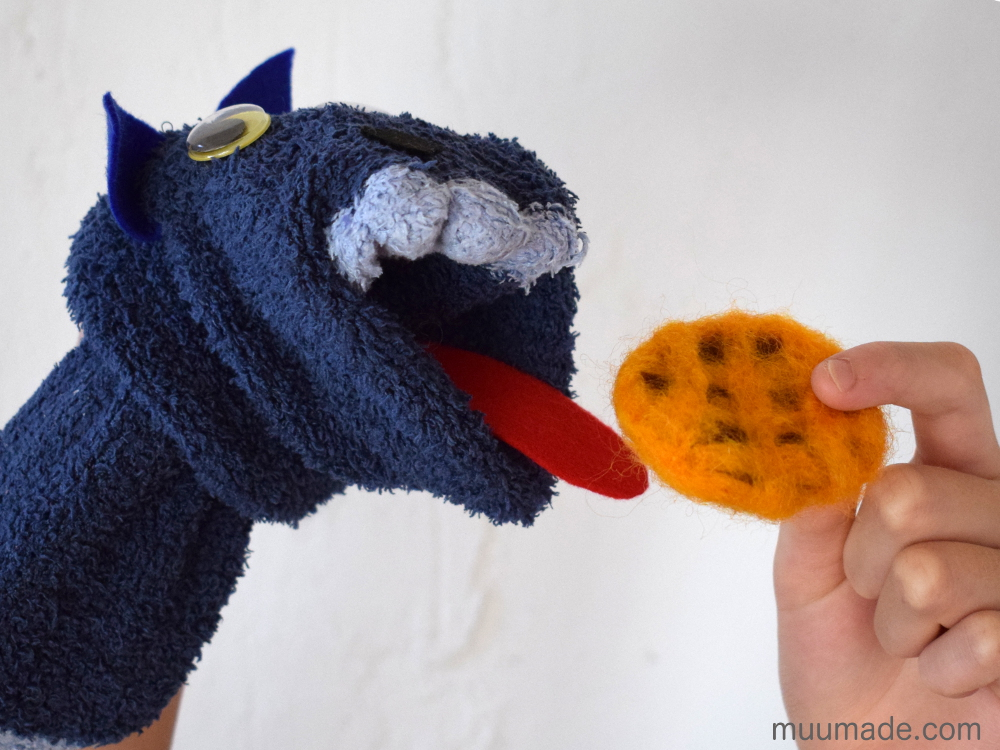 How to make a sock puppet that really eats