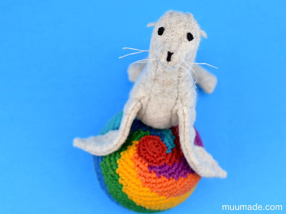 Little Felt Sea Lion sewing pattern & tutorial Muumade.com