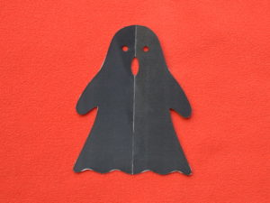 Halloween DIY shadow puppets- witch, ghost, Jack O'Lantern - Muumade.com