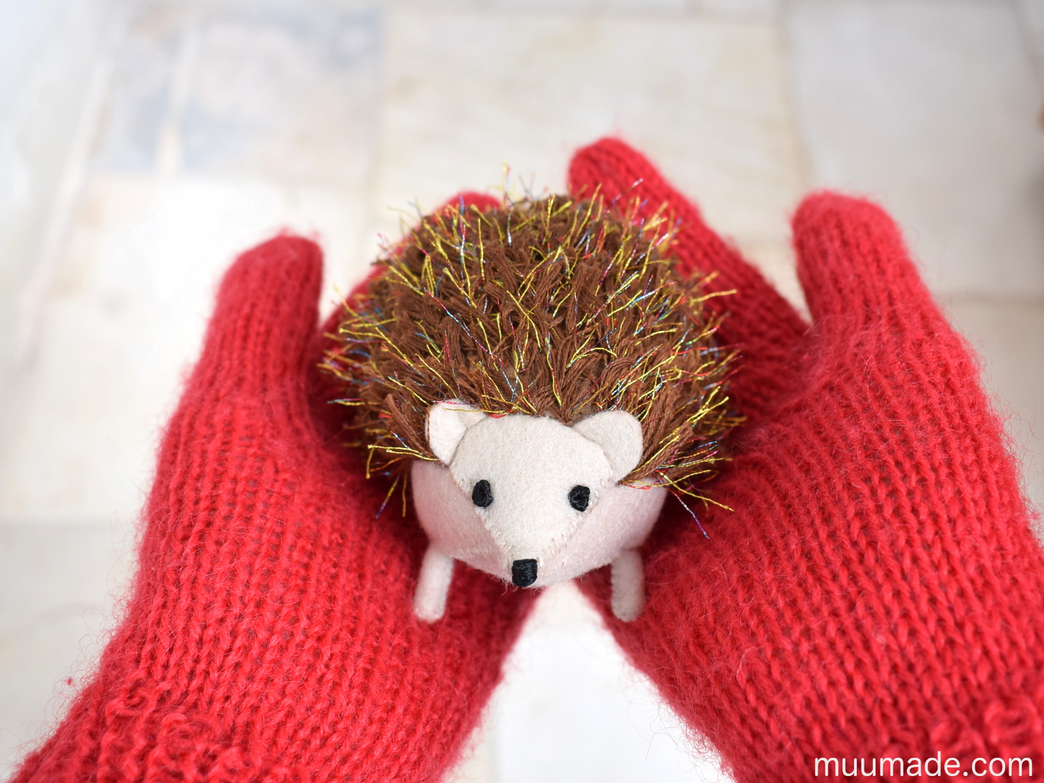 Little Felt Hedgehog sewing pattern from Muumade.com